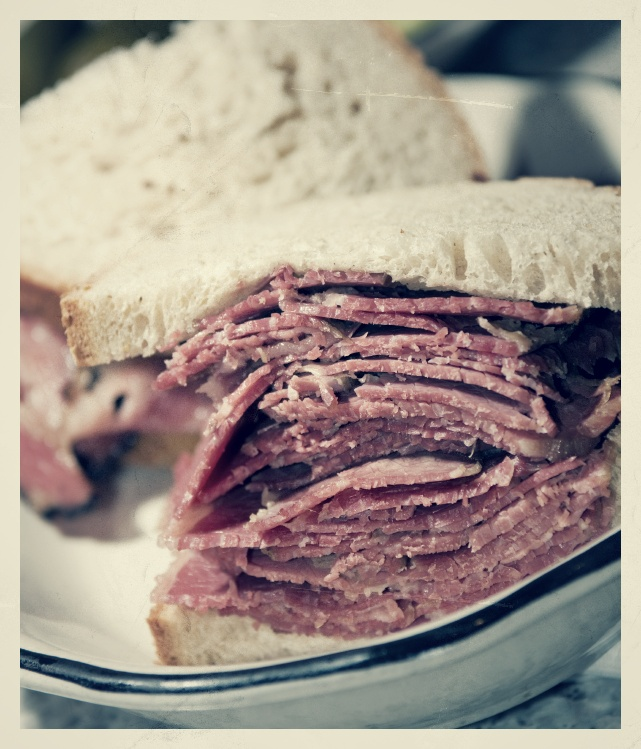 corned beef sandwich rye bread